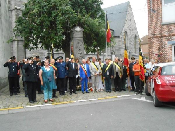 """Résultat de recherche d'images pour """"manifestation 21 juillet estaimpuis"""""""